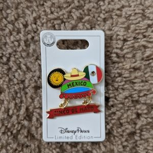 Disney Pin: Cinco De Mayo